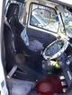 写真:ミニキャブトラック ブルバケット用シートレール装着例